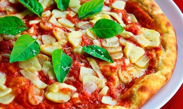 How to make fast margherita pizza